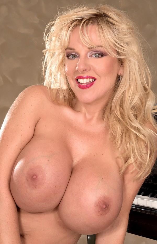 Harmony Bliss -  Big Tits model