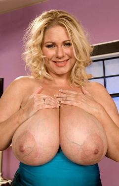 Samantha 38G -  Big Tits model
