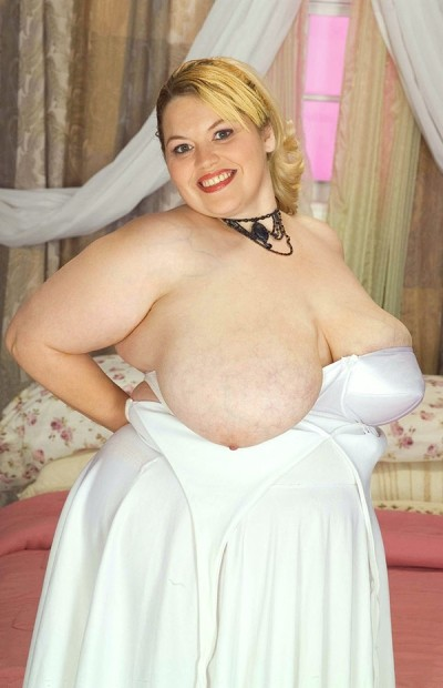 Kountry Gal -  BBW model