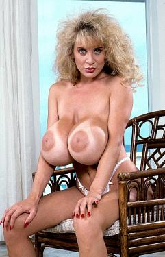 Lisa Chest -  Big Tits model
