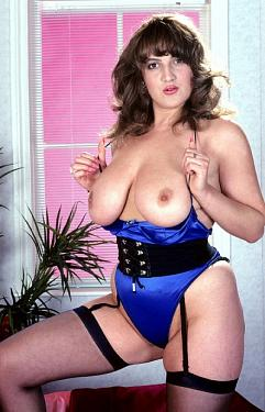 Louise Montgomery -  BBW model