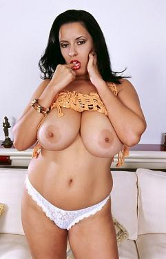 Luma -  Big Tits model