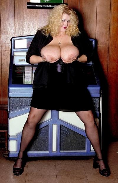 rhonda baxter big titten porno pics