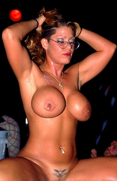 Mini -  Big Tits model