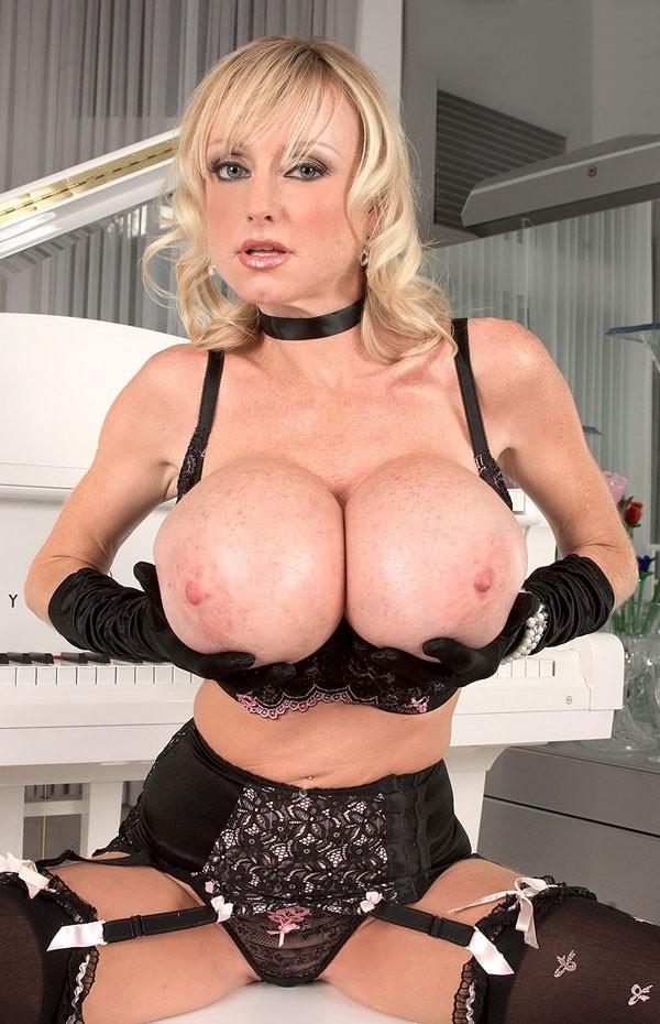 Morgan Leigh -  Big Tits model