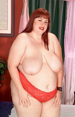 Luna Mystique -  BBW model