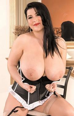 Natalie Fiore -  BBW model