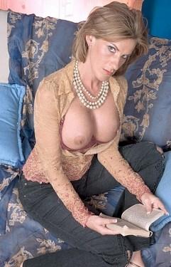 Sharona Gold Mature 27