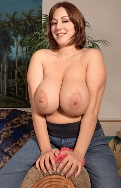 Lexi Windsor -  BBW model