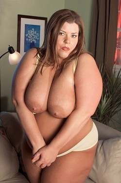 Karlee Adams -  BBW model
