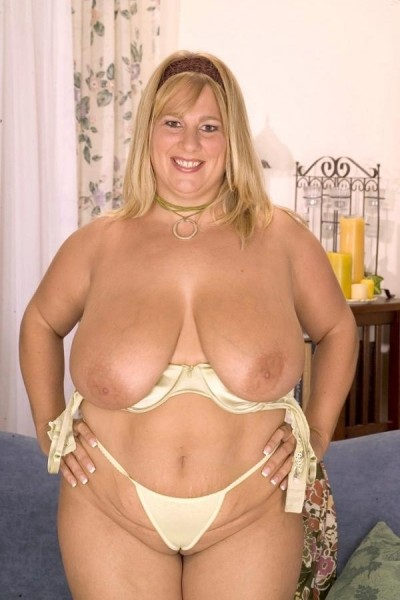 Kitti Campbell -  BBW model