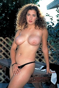 Belle -  Big Tits model