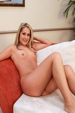 Chelsie -  Amateur model