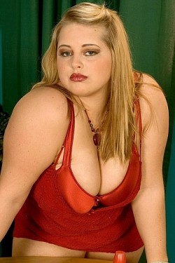 Paige Riley -  BBW model