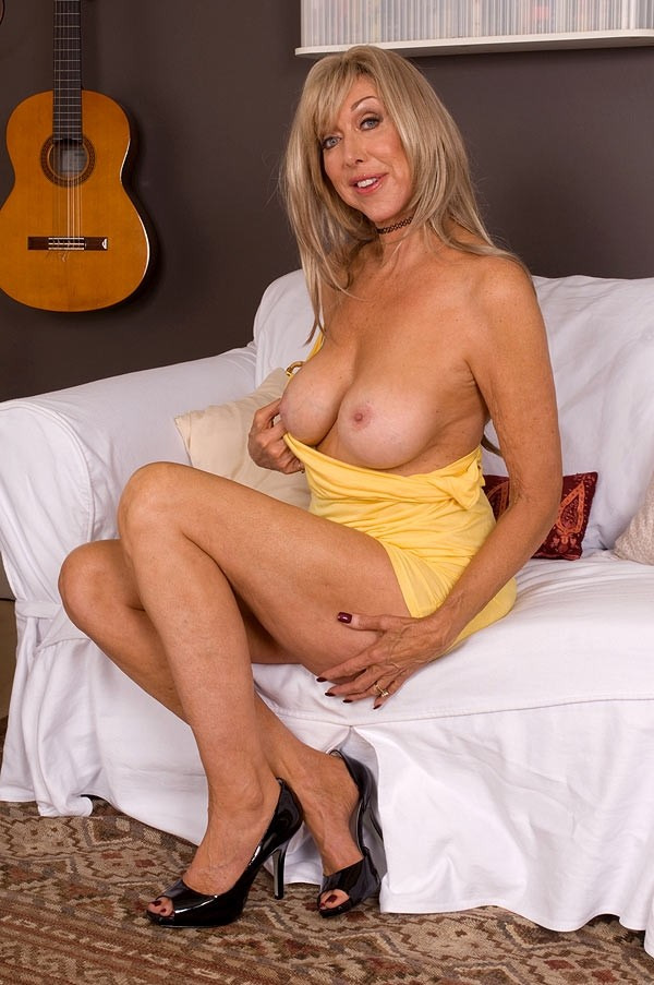 Sexy !  cougars over 40 xxx