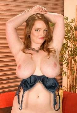 Contessa Rose -  BBW model