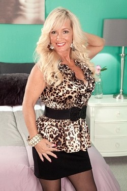 Barbi Banks -  MILF model