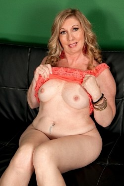 Summer Sands -  MILF model