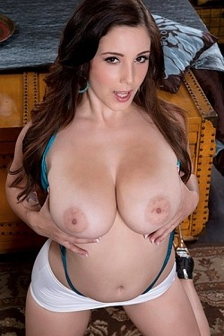 Noelle Easton -   model