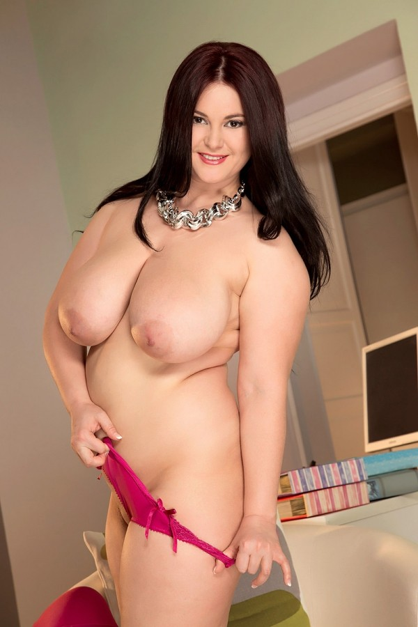 Ann Calis -  Big Tits model