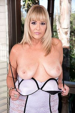 Sheree Delight -  MILF model