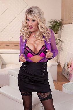 Lana Vegas -  MILF model