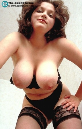 Alia - Solo Big Tits photos