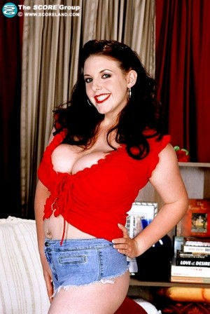 Angela White Voluptuous May 2004