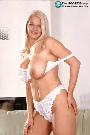 Blondie - Solo Big Tits photos