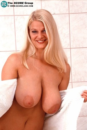 Blondie -  Big Tits photos