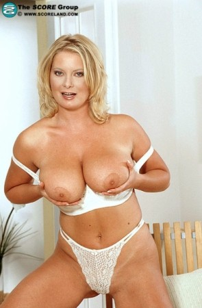 Veronika -  Big Tits photos
