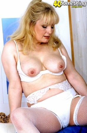 Cindy -  MILF photos