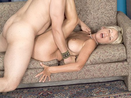 Sherry - XXX MILF video