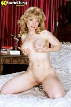 Nina Hartley -  MILF photos