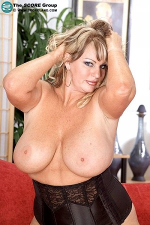 Wow Nikki - Solo Big Tits photos