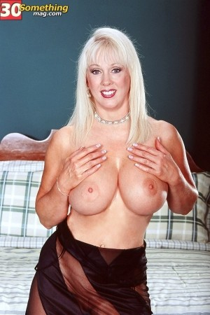 Diane Diamond -  Big Tits photos