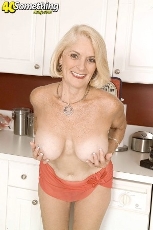 Georgette Parks -  MILF photos