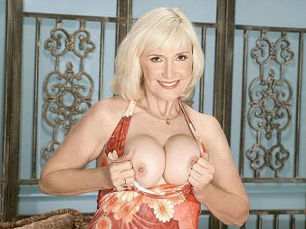 Lola Lee - Solo Granny video