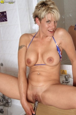 meet someone slim/average Big nipple latin milf beautiful, cute 20yr old