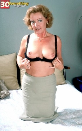 Jeannine -  MILF photos