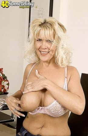 Jerrika Micheals - Solo MILF photos