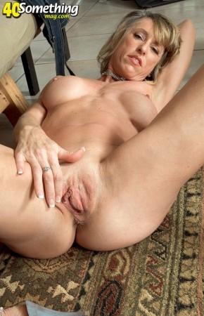 Caelea Porn Star 72