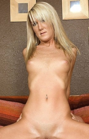 Tiffani - XXX Amateur photos