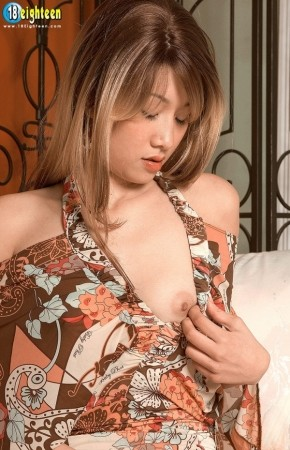 Melody Tan - Solo Teen photos