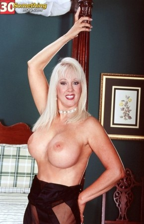 Diane Diamond - Solo Big Tits photos