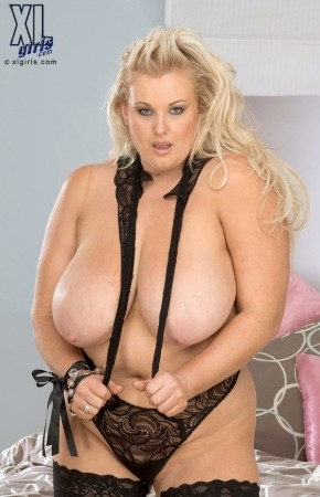 Toni Evans - Solo BBW photos