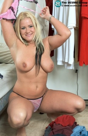 Zeta Kellie - Solo Big Tits photos