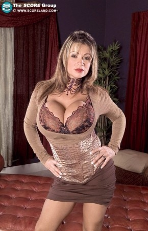 Denise Derringer - Solo Big Tits photos