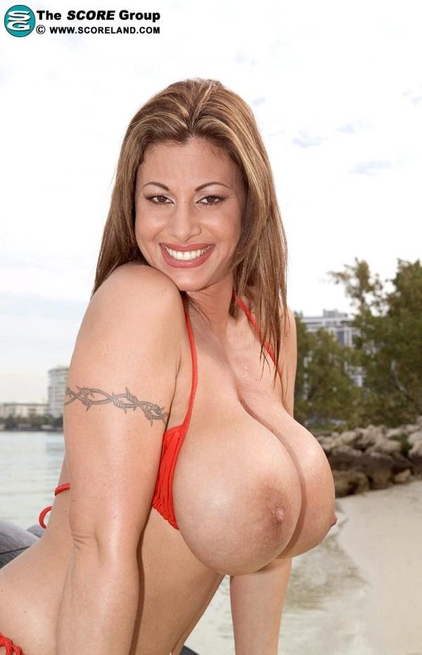 tan girl bounces on dick nude gif