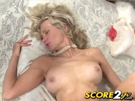 opinion barefoot redhead shemale masturbating solo think, that you